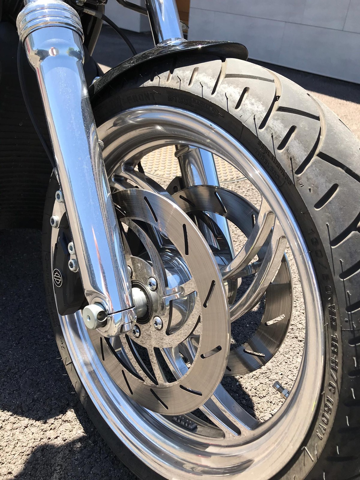 Harley-Davidson VRSCD 1130 V-Rod Night Road