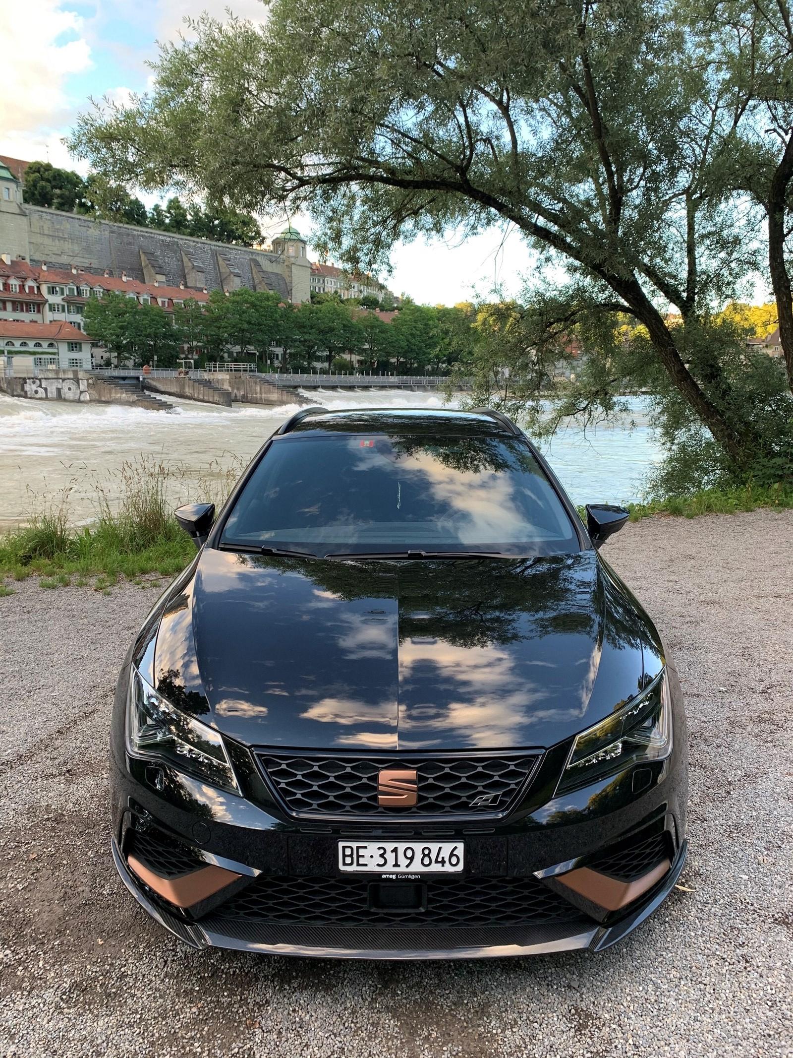 SEAT Leon ST 2.0 TSI 300 Cupra R 4Drive DSG