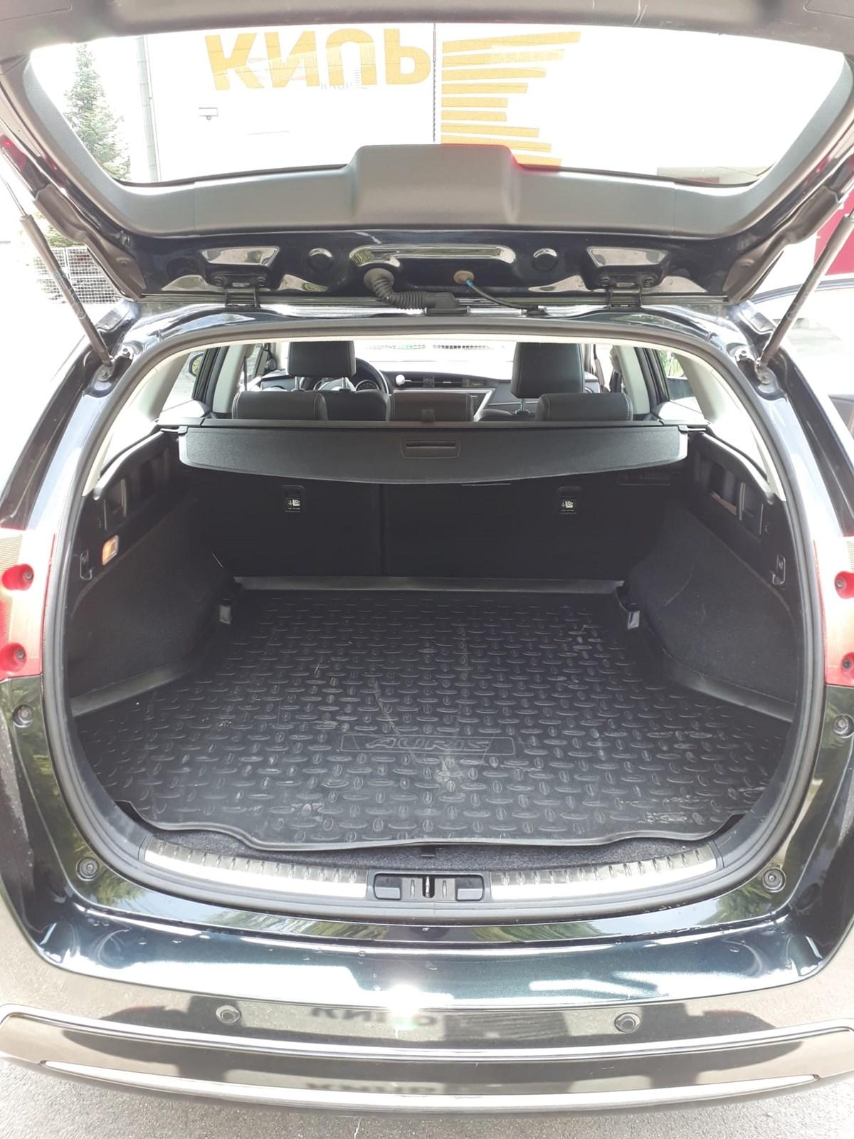 Toyota Auris Touring Sports 1.6 VMa Sol