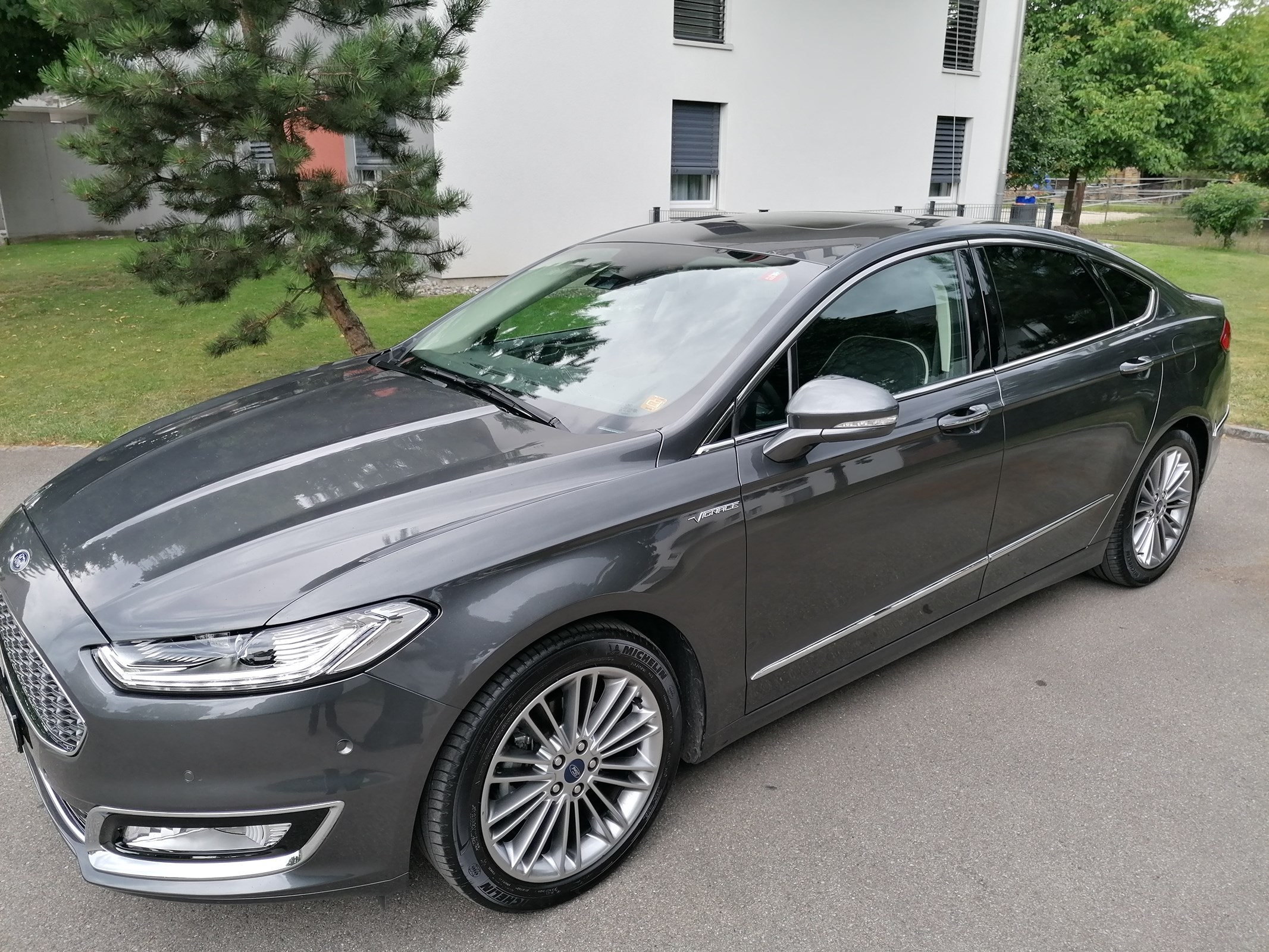 Ford Mondeo 2.0 HEV 187 Vignale