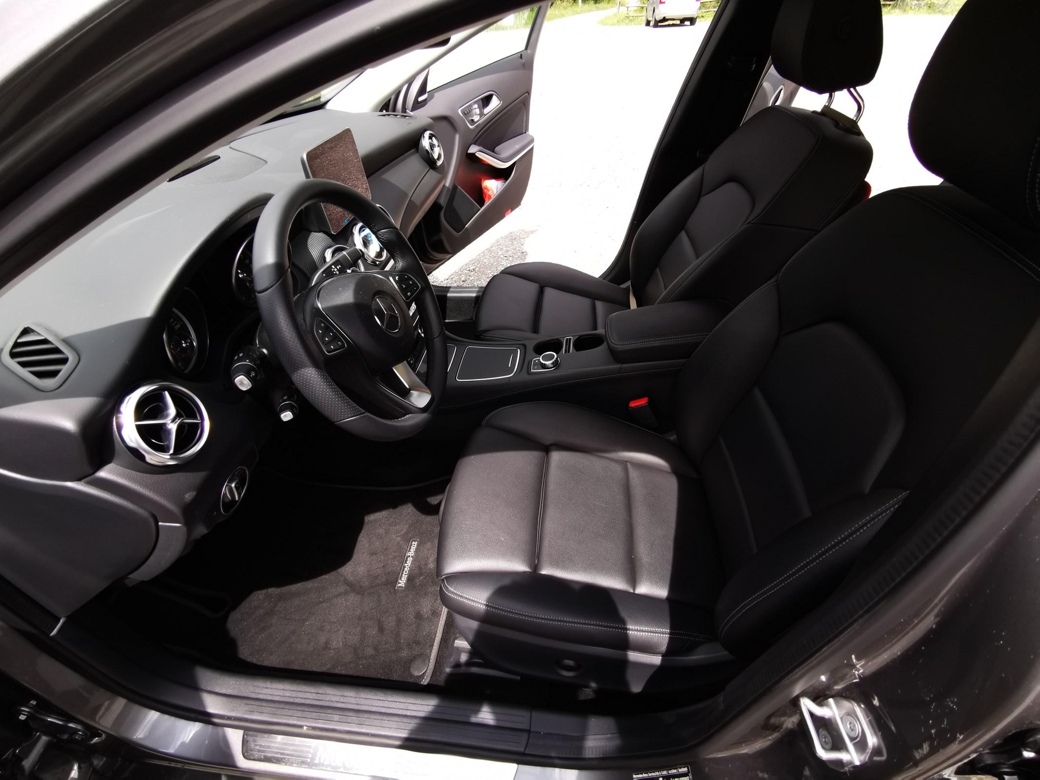 Mercedes-Benz GLA-Klasse X156 GLA 220 Style 4m
