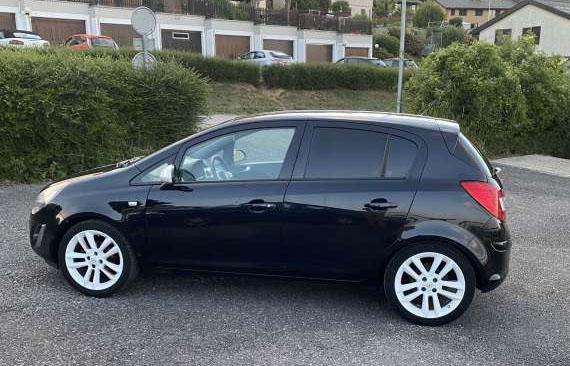 Opel Corsa 1.4i 16V TP Color Ed.