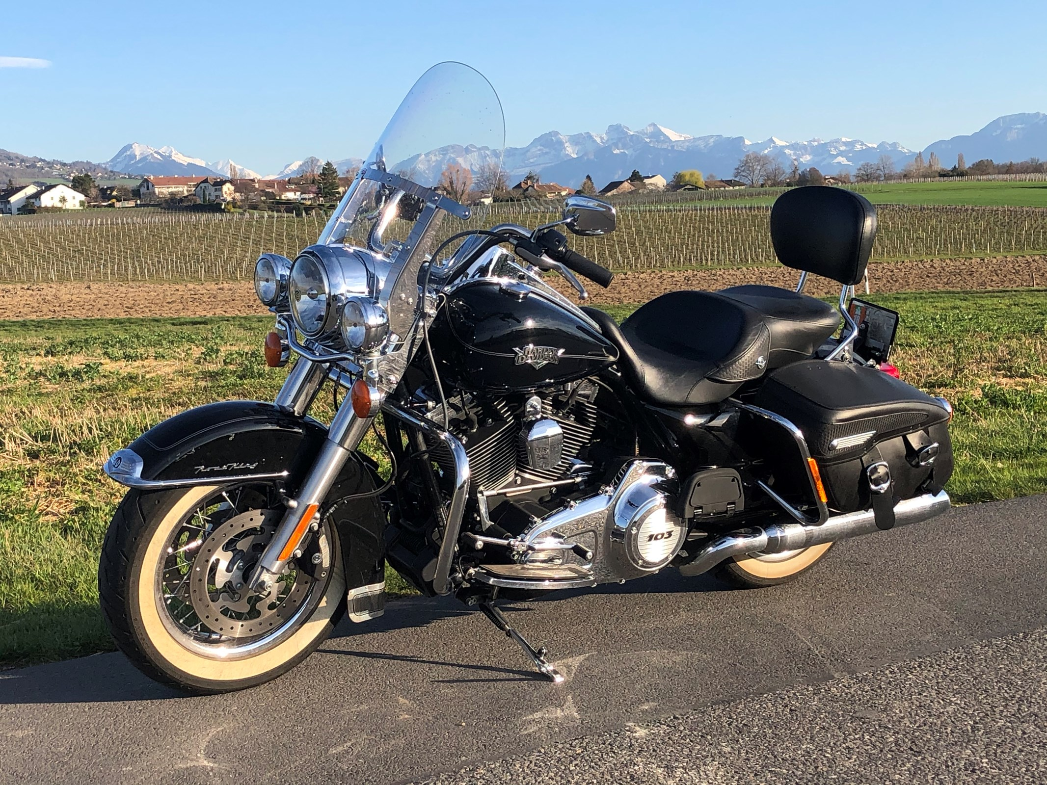 Harley-Davidson FLHRC 1690 Road King Classic ABS