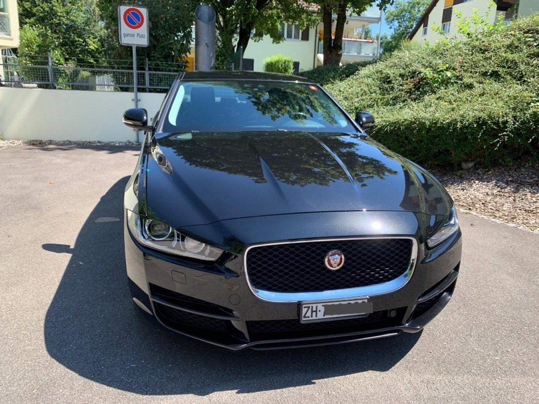 Jaguar XE 2.0 D 180 Pure