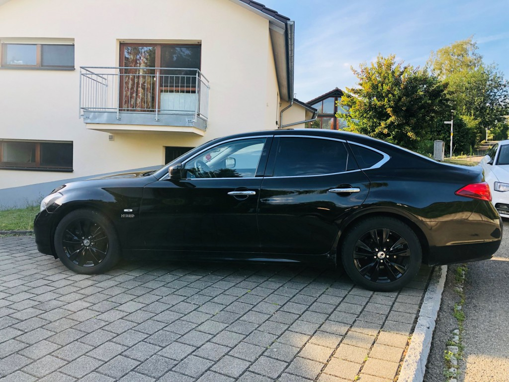 Infiniti M 3.5 Hybrid GT Premium
