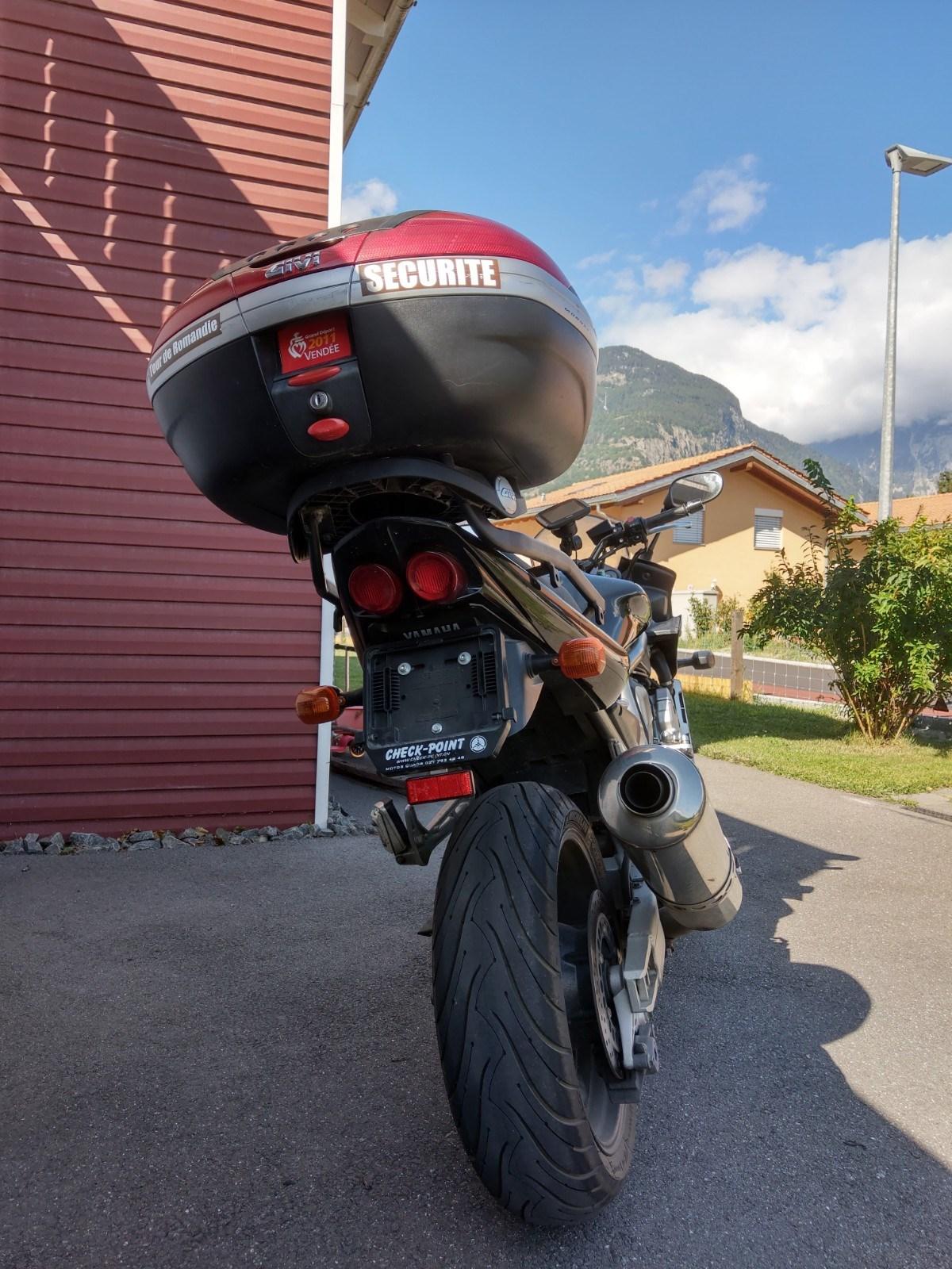 Yamaha FZS 1000 Fazer RN066