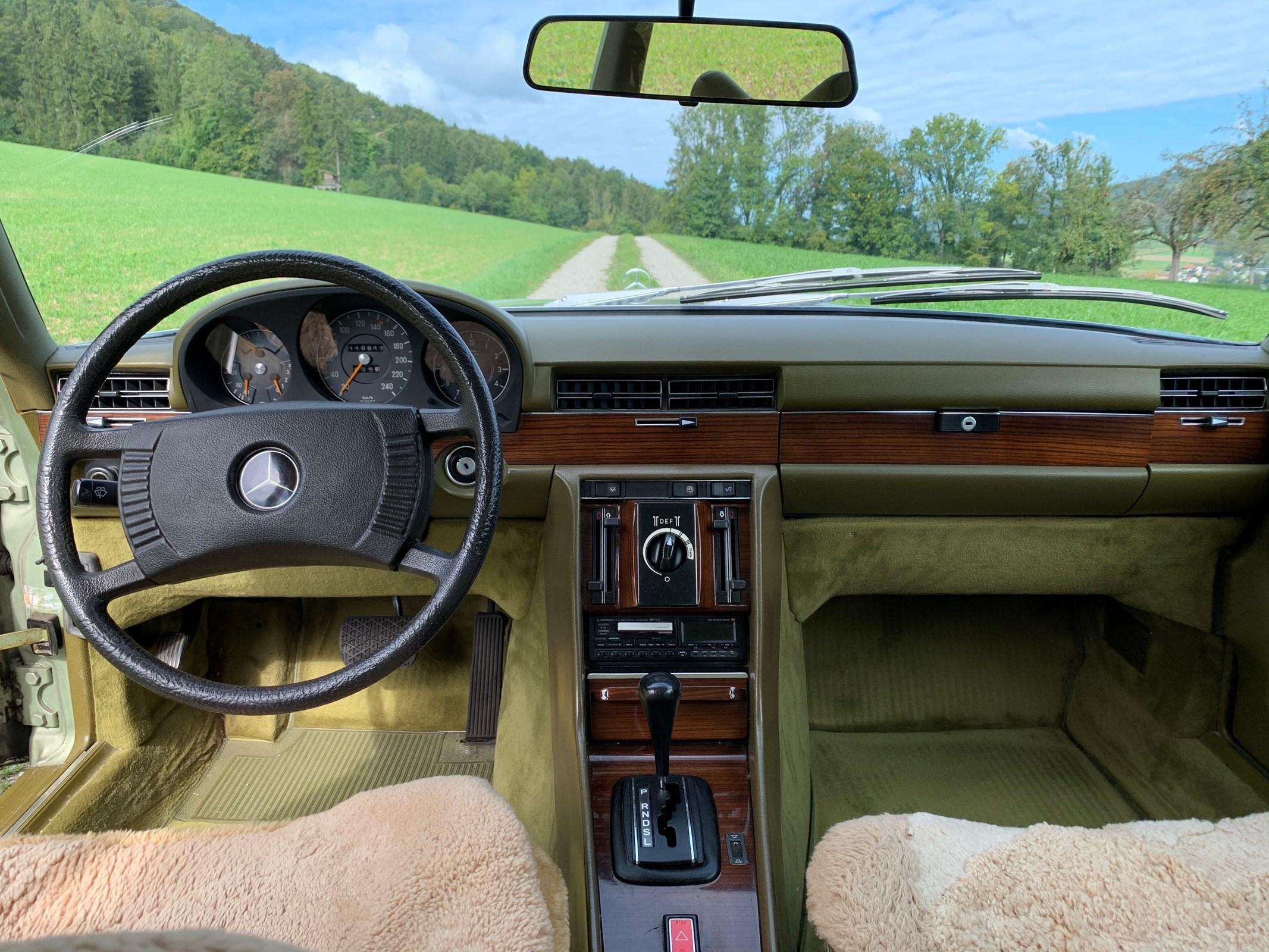 Mercedes-Benz 280 SEL