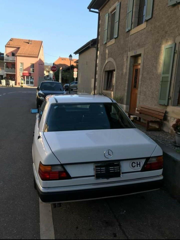 Mercedes-Benz W124 300 E-24