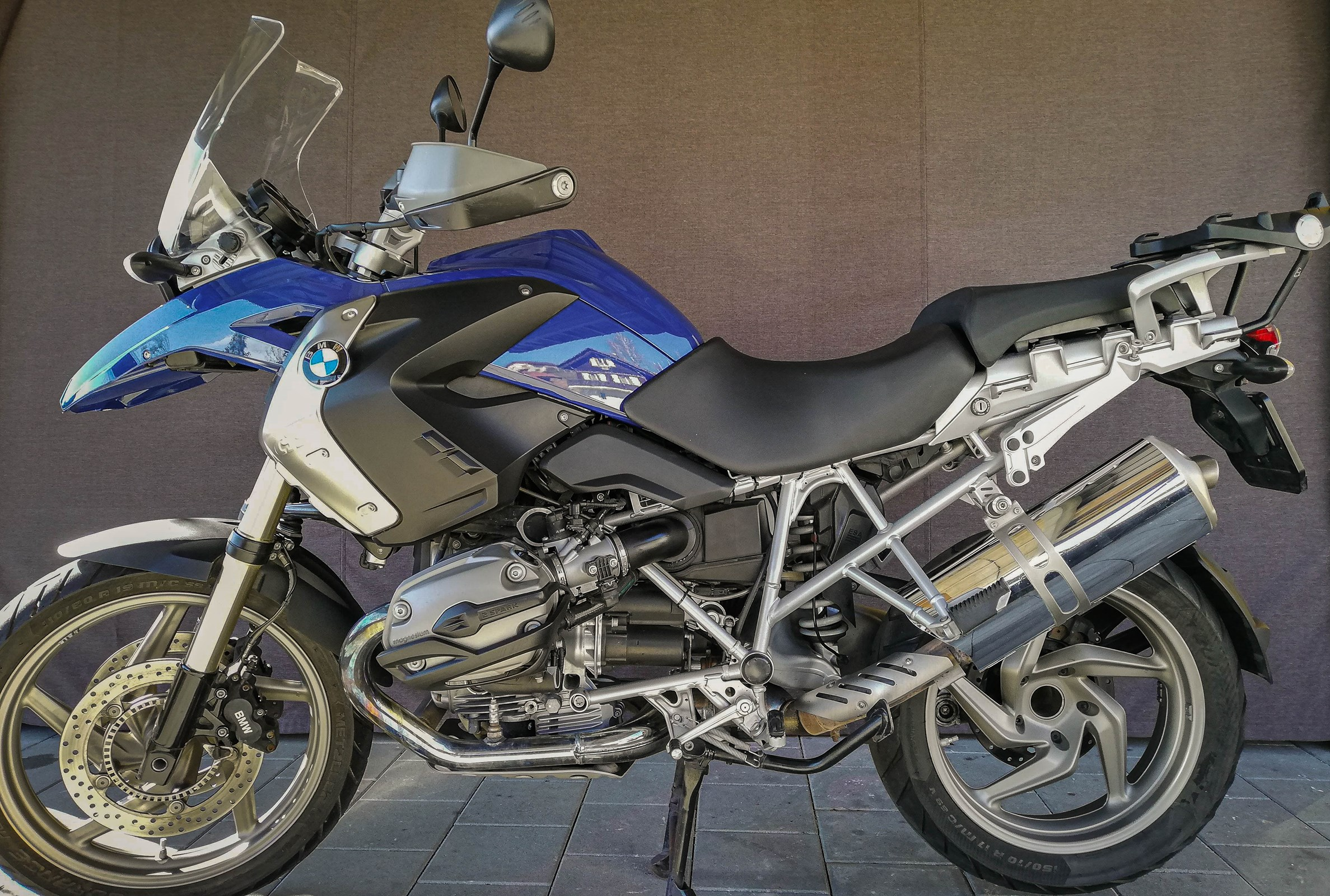 BMW R 1200 GS safety ABS