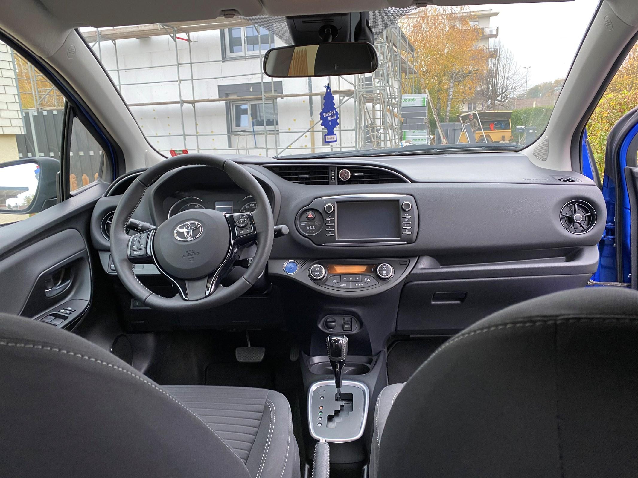 Toyota Yaris 1.5 VVT-i HSD Trend