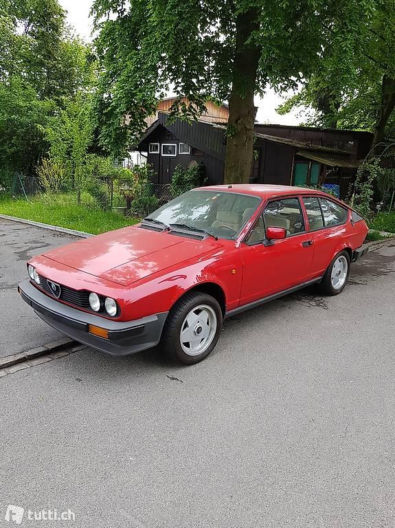 Alfa Romeo GTV 2000