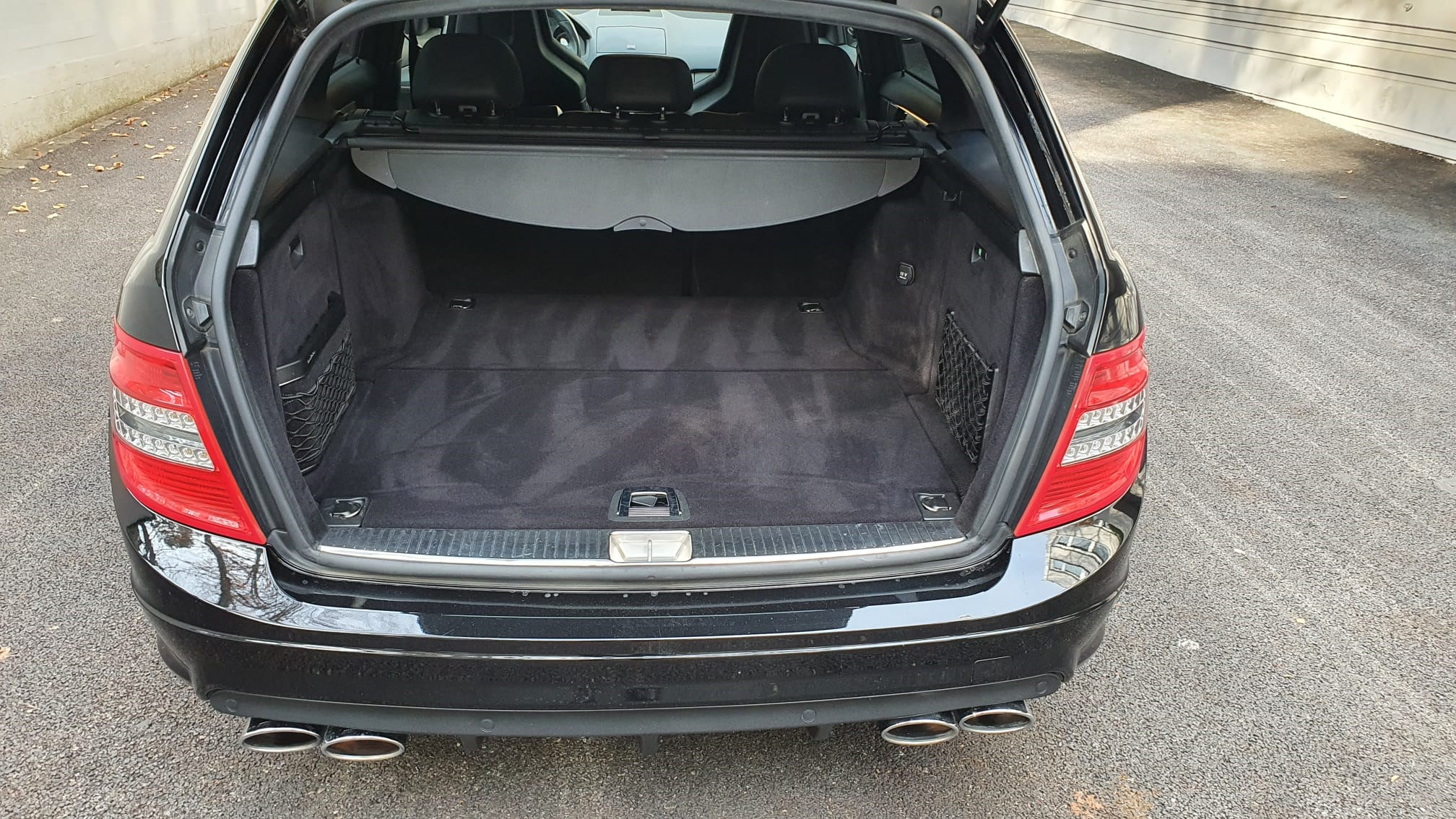 Mercedes-Benz C-Klasse S204 Kombi C 63 V8 AMG