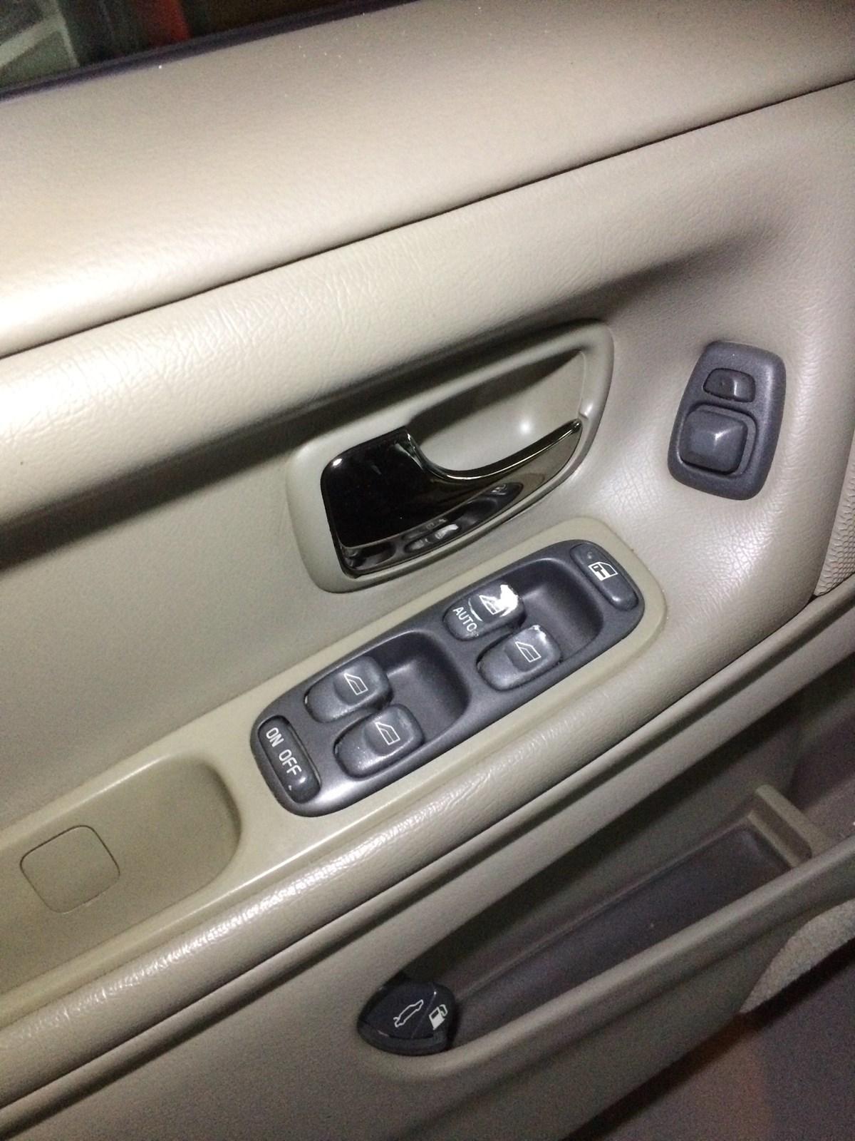 Volvo V70 XC Kombi 2.5 LPT AWD