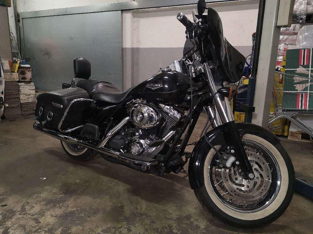 Harley-Davidson FLHRC 1584 Road King Classic