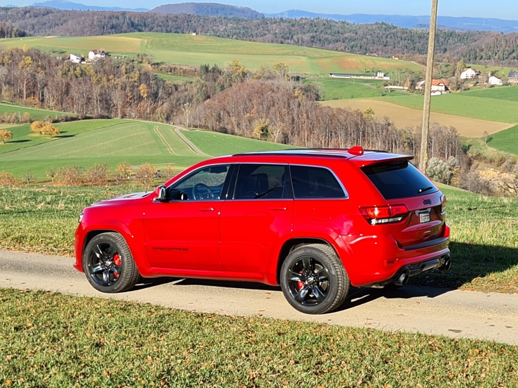 Jeep Grand Cherokee 6.4 V8 HEMI SRT8 Red Vapor